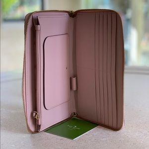 NWT❗️Kate Spade Travel Wallet